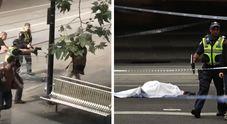Accoltella a morte passante prima di essere ucciso L'Isis rivendica