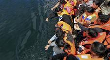 Traghetto affonda con 139 passeggeri a bordo, decine di morti