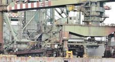 «Esuberi fra i gruisti»: tre giorni di sciopero sui moli ex Ilva