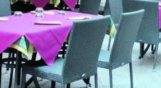 Il pugno duro dei vigili: tavolini, fuorilegge due locali su tre