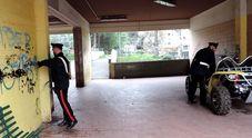 Roma, blitz a Tor Bella Monaca: arrestati 8 pusher