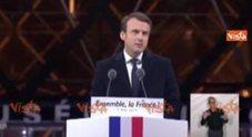 Cita Le Pen e partono i fischi