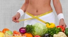 Dieta, spopola quella anti-stress: ecco i cibi adatti per chi è irritabile e ha sempre fame