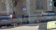 Ostia, parcheggiatori abusivi davanti al municipio