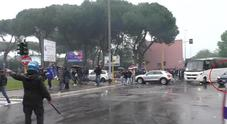 Atalanta-Lazio, il video degli insulti a Mihajlovic. Il vigile gli dice: «Zingaro di...»