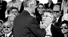 La dedica della Polizia alla madre di due agenti uccisi Foto