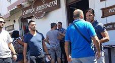 La sparatoria in mezzo ai turisti: morto Omar, 31 anni