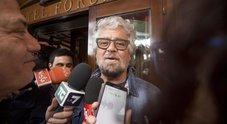 Grillo sarcastico: «Povero badante, è vittima di bullismo»