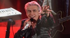 Ligabue, omaggio a Freddie Mercury, poi il duetto con Baglioni