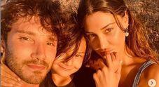 Belen e Stefano in vacanza a Ibiza con Santiago, i fan sognano una nuova gravidanza