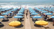 Cara estate, quanto costa andare al mare: fino a 60 euro al giorno. Più costosa la Sardegna, segue la Liguria