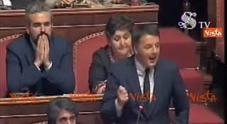 Video Renzi al premier: «Siamo colleghi, anche lei non eletto»