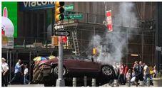 New York, auto sulla folla a Times Square: un morto e almeno 23 feriti