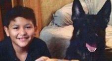 Bimbo incatenato in bagno per una settimana senza acqua e cibo: morto di stenti in Indiana