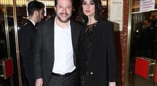 Salvini-Isoardi: tira e molla sul vestito e bacio all'Ariston