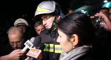 I vigili del fuoco: «Evacuati due edifici a rischio crollo»