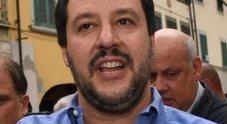 L'accoglienza dei neoborbonici: «Per Salvini suoneria con pernacchio»