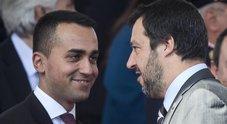 Striscioni anti-Salvini, tensione nel governo. Di Maio: rischio piazze
