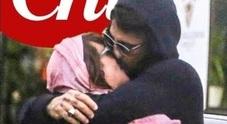 Asia Argento esce allo soperto, baci e coccole con Fabrizio Corona