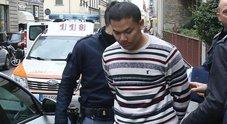 Ragazza strangolata in un ostello a Firenze, il fidanzato va alla reception: «Sono stato io»
