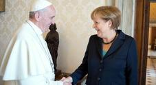 Papa Francesco e Angela Merkel: «Abbattere i muri nel mondo»