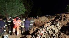 Tragedia a Crotone: sepolti da frana muoiono in 4
