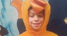 Bimbo di 7 anni ucciso a colpi di scopa, la sorella di 8 è gravissima: fermato il compagno della madre