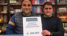 """Vince centomila euro al Gratta e Vinci. In tabaccheria sospetti sulla cliente abituale """"scomparsa"""""""
