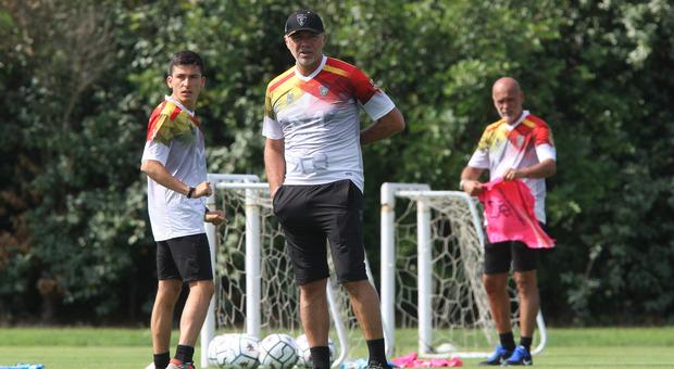 Mister Marco Baroni, allenatore del Lecce