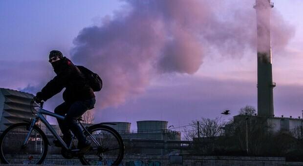 Smog può essere causa di cancro al seno: lo rivela uno studio francese