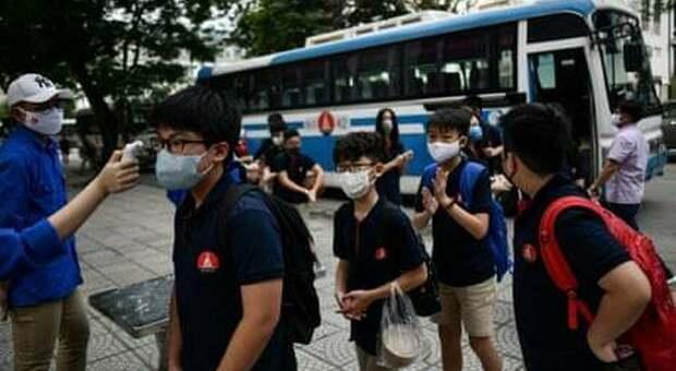 Coronavirus, la diretta: Vietnam evacua 80mila turisti, record di contagi in India
