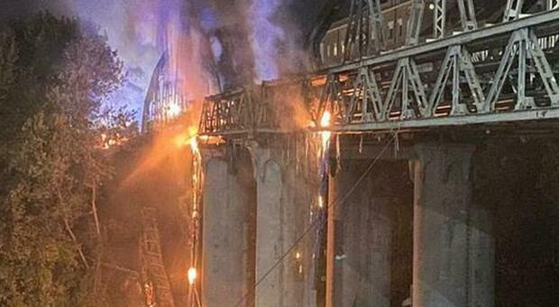ponte di ferro_incendio