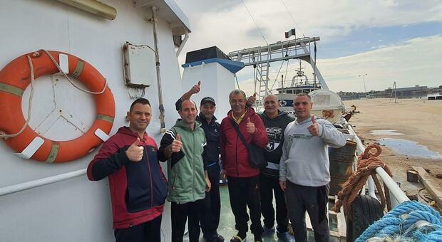 Pescatori di Mazara sequestrati in Libia: liberi dopo 108 giorni. Conte su Twitter: «Buon rientro a casa»