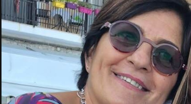 Il paziente muore, parente aggredisce la dottoressa con un cacciavite: salvata da un extracomunitario