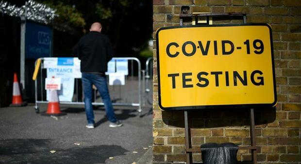Coronavirus, record di morti in Gran Bretagna: 1610 in 24 ore