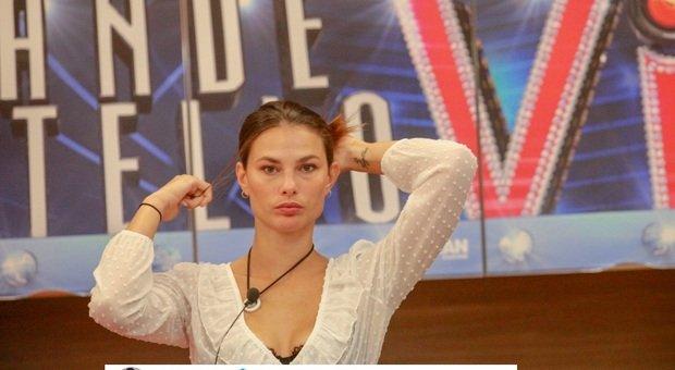 Grande Fratello Vip, Mario Balotelli furioso: «La mia ragazza ti aspetta con le pistole». Tutta colpa di Dayane Mello?