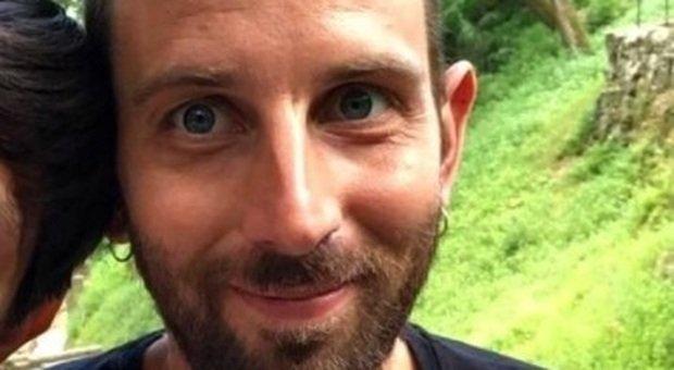 Morto di un tumore a 28 anni, Kevin doveva sposarsi con la fidanzata conosciuta nel reparto di Oncologia
