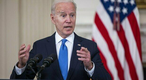 Vaccini, Biden favorevole alla sospensione del brevetto