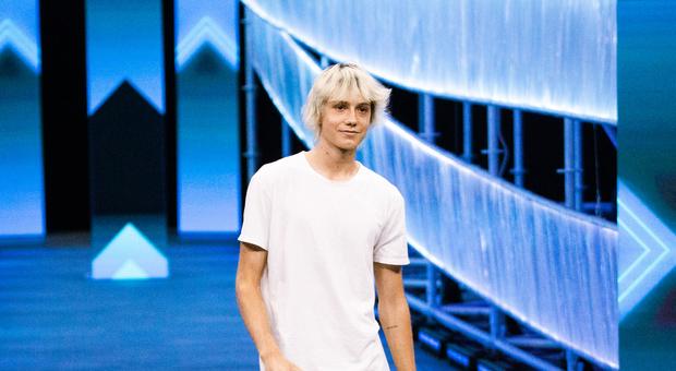"""X Factor 2021: Gianmaria con """"Suicidi"""" commuove Manuel Agnelli «Mi sei arrivato molto»"""