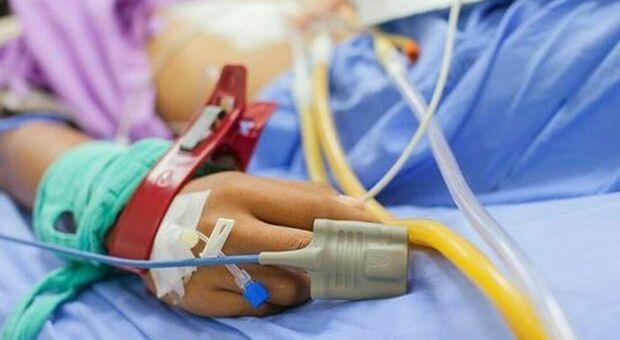 Covid, bambina di dieci anni ricoverata in terapia intensiva a Genova: