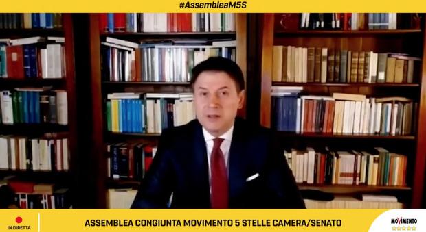 Conte parla all'assemblea dei parlamentari del Movimento 5 Stelle: «Crisi incomprensibile, ma ora ho capito: io ci sono»