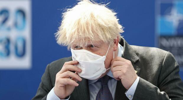 Il Regno Unito rinvia le riaperture dal 21 giugno al 19 luglio. Johnson: «Preoccupati per la variante Delta»