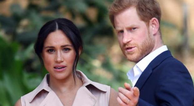 Meghan Markle, l'accusa choc alla regina Elisabetta: «Ecco perché io e Harry siamo scappati da Londra...»