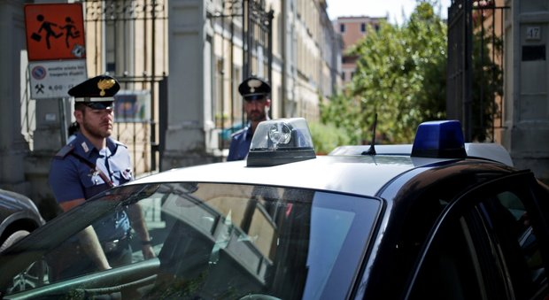 Roma, incinta di sette mesi stuprata da 2 uomini in un asilo