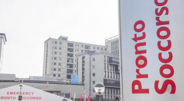 Covid in ospedale a Padova, trenta contagiati tra il personale: allarme in due reparti