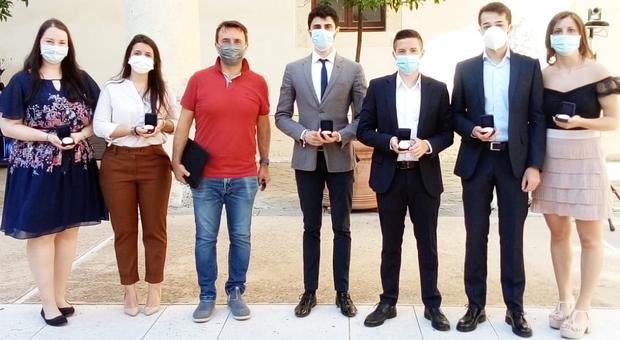 Il gruppo di studenti e dottorandi che ha messo a punto CIBI, il cerotto spray