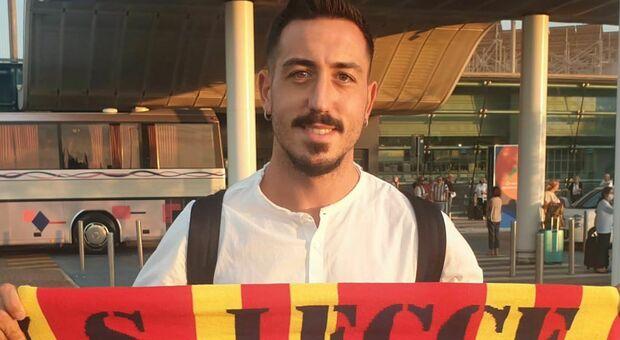 Francesco Di Mariano all'arrivo all'aeroporto di Brindisi