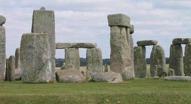 Stonehenge, trovato nuovo sito neolitico: anello di monoliti vicino allo storico luogo sacro
