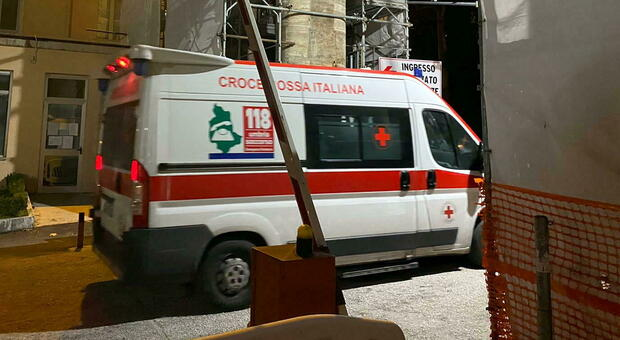 Brindisi, pestata violentemente: donna di 43 muore in ospedale. Indagini in corso