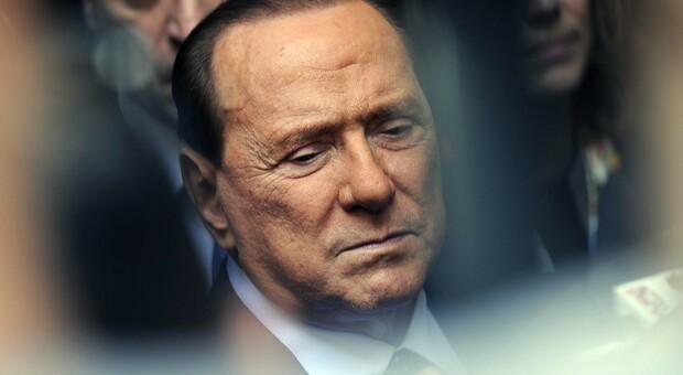 Berlusconi, come sta l'ex premier ricoverato per Covid. Zangrillo: «Non è intubato, parametri confortanti»